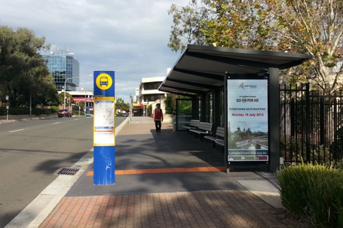 Double side bus shelter
